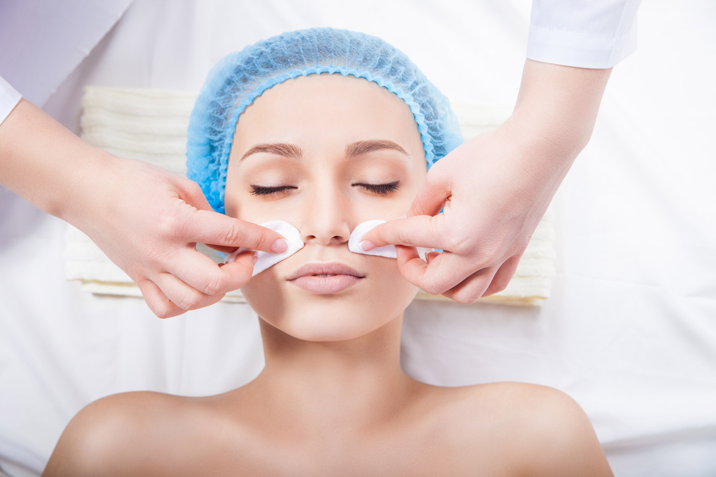 professionell lady ansiktsbehandling i Stockholm
